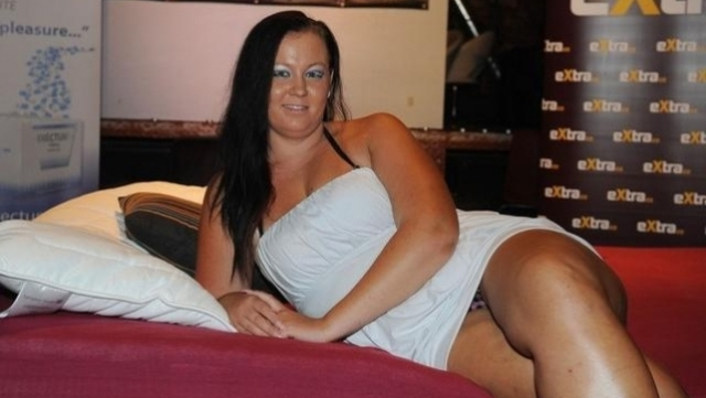 Mujer busca–53790